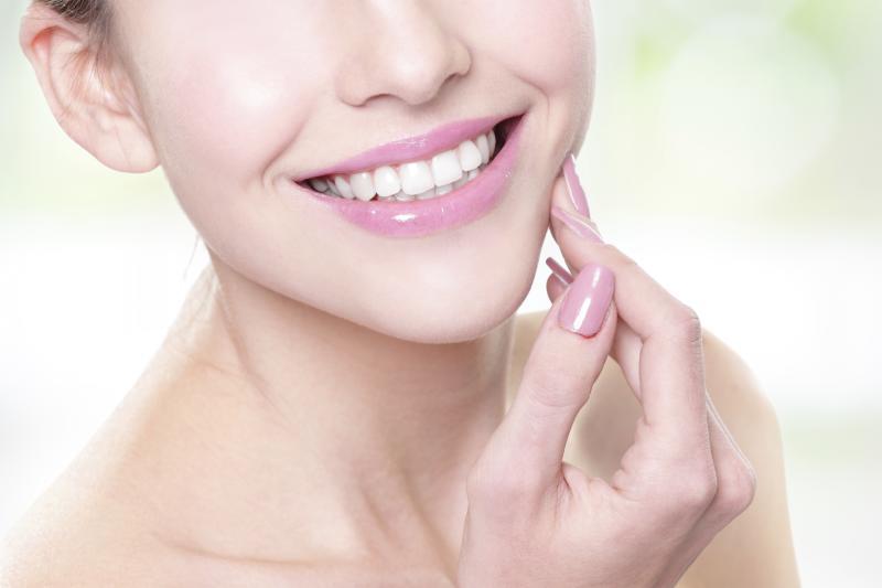 Zahnfleischentzündung: Hausmittel zu Linderung
