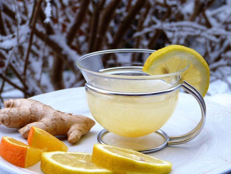 Mit Zitrone und Ingwer gegen die Erkältung