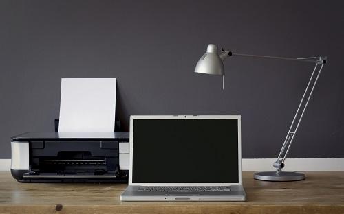 Richtiges Licht, ergonomisches Sitzen: So gestalte ich mein Homeoffice