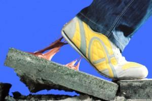 Schuhe und Teppiche von Kaugummi befreien