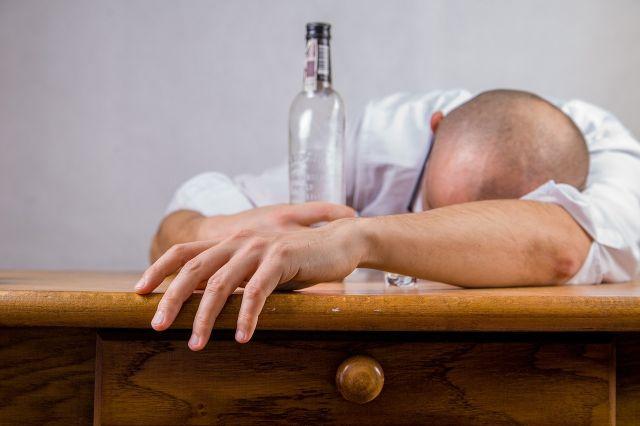Zu viel Alkohol? Das hilft gegen den Kater