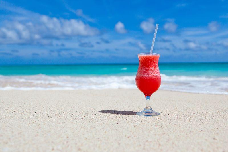 Richtig trinken bei Hitze ¬– bei Herzinsuffizienz die empfohlene Menge nicht überschreiten